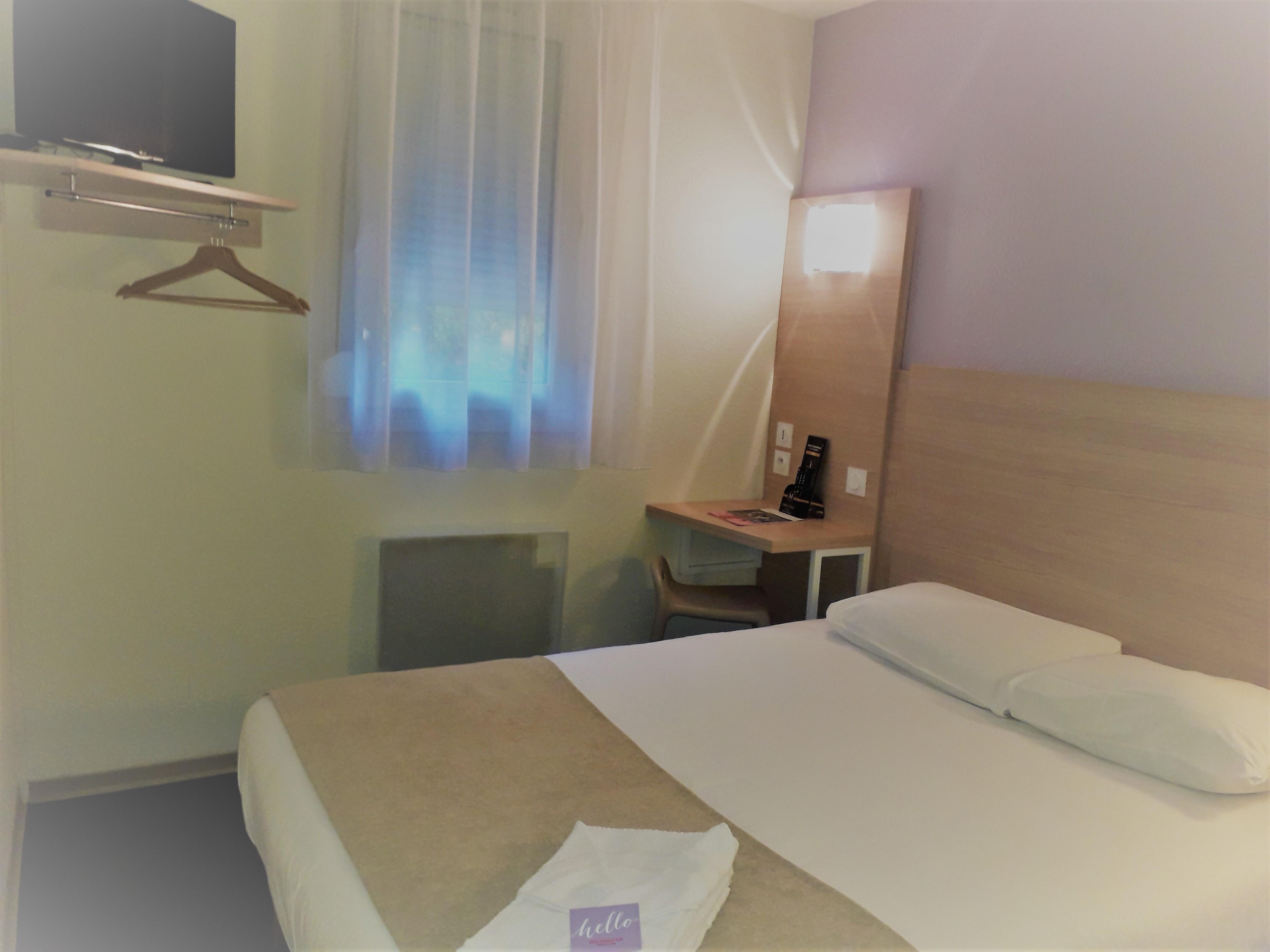Chambres Hôtel 2 étoiles économiques Et Confort à Bordeaux